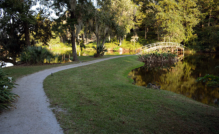 Path to a footbridge in Middleton Place Plantation in Charleston, SC