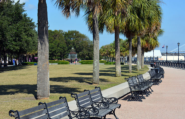 The waterfront pathway at Waterfront Park in Charleston, SC
